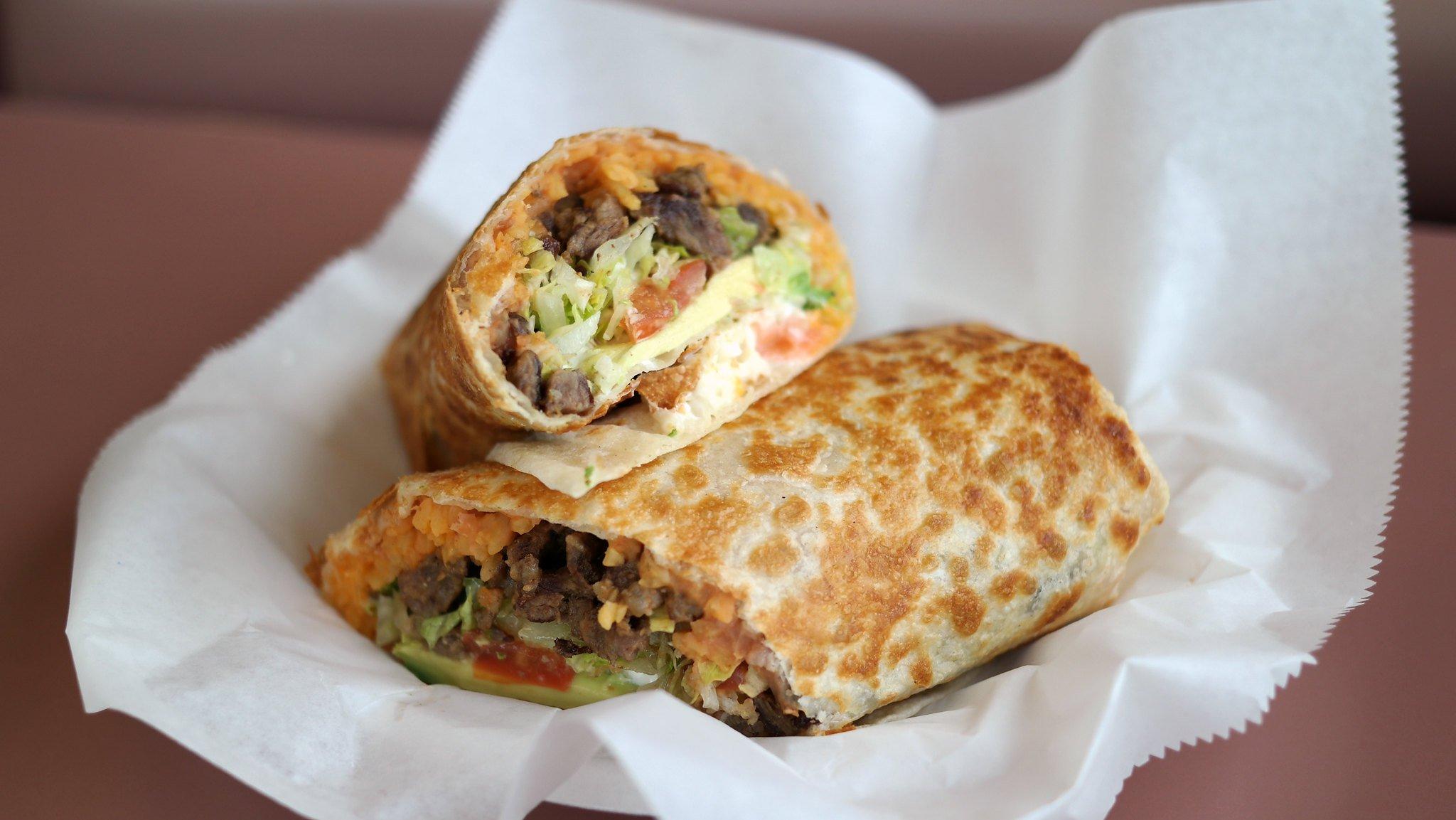 Como En Casa burrito Toronto food