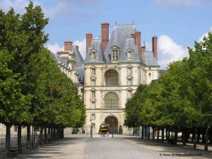 Paris chateau Fountainebleau