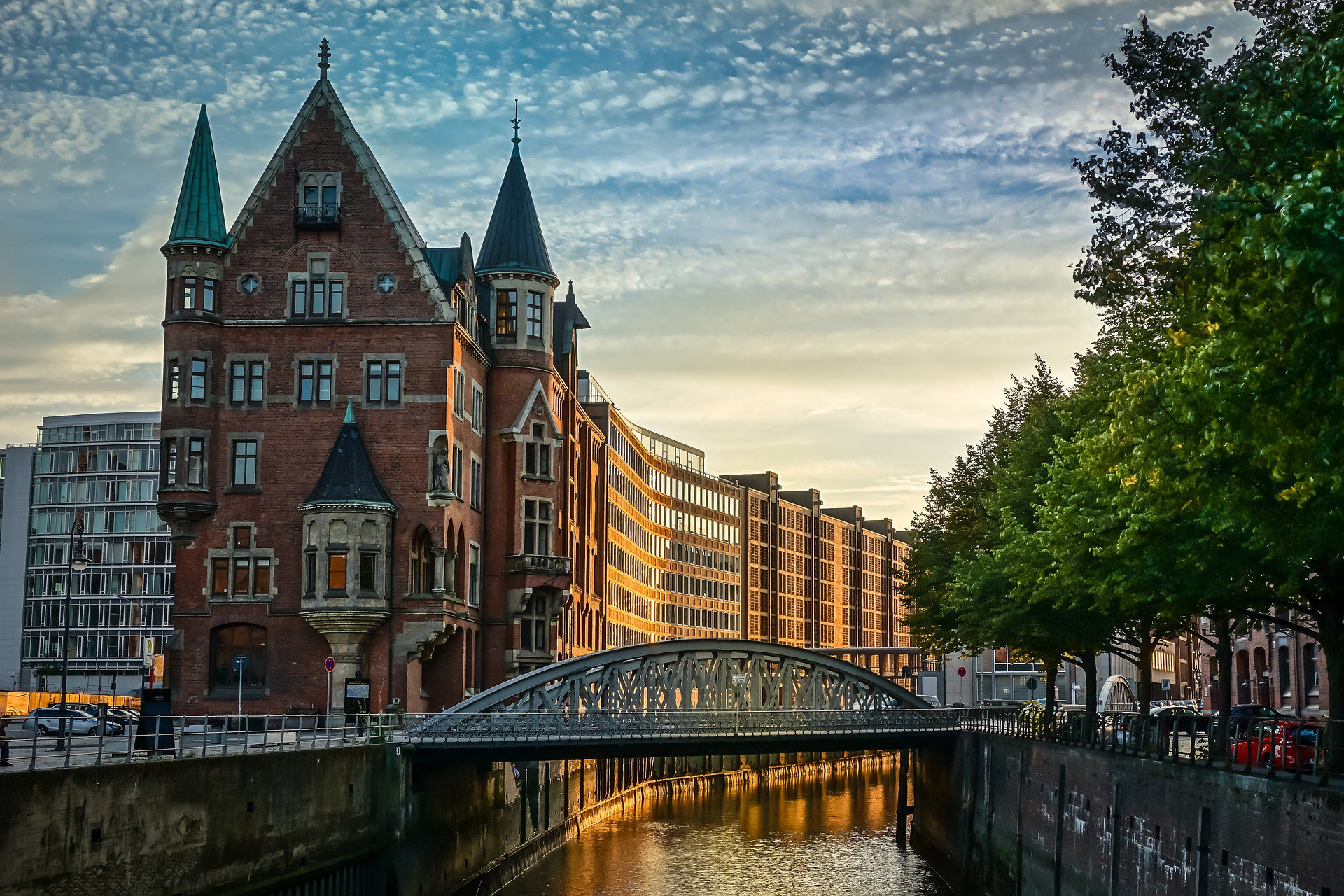 Hamburg city canal