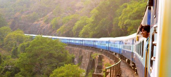 Travel Sri Lanka train